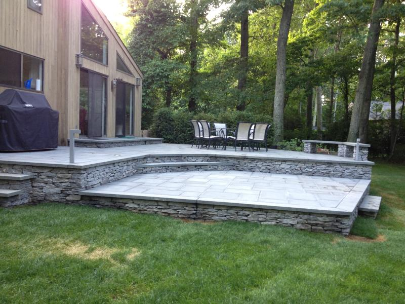 Beautiful Bluestone Patio for DIning and Entertaining