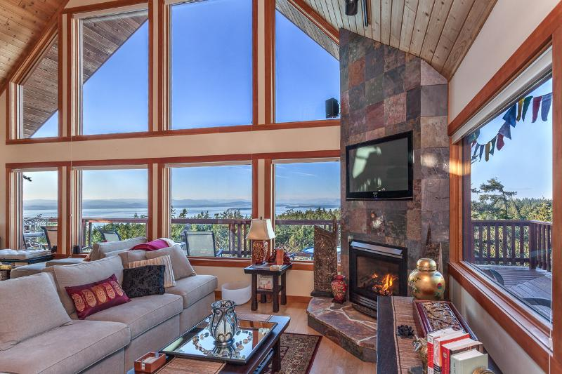 Spectacular views fromliving area. Full media center, surround sound, fireplace with seating for 12.