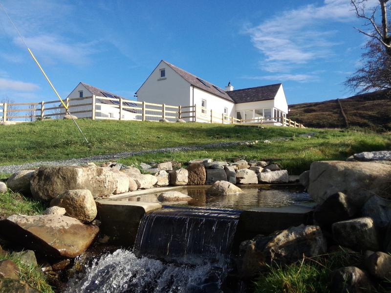 Happy Vale - Bearnagh Cottage, vakantiewoning in Newcastle