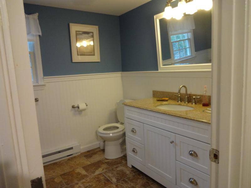 Very clean 2nd floor bathroom with bathtub