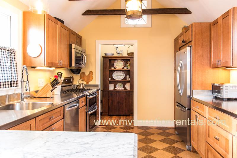 Chef's Kitchen with Walk-in Pantry