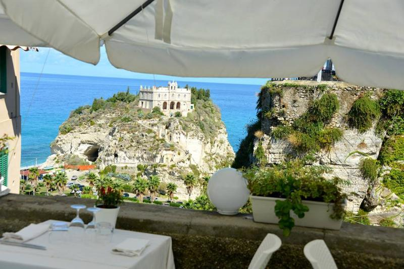 Restaurants in the historic centre of Tropea