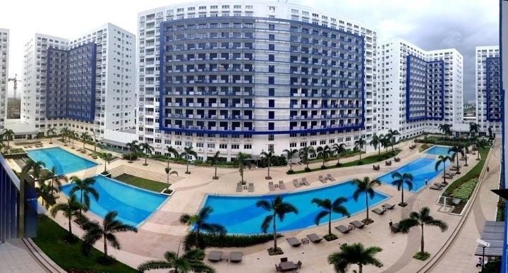 Cinco piscina al aire libre
