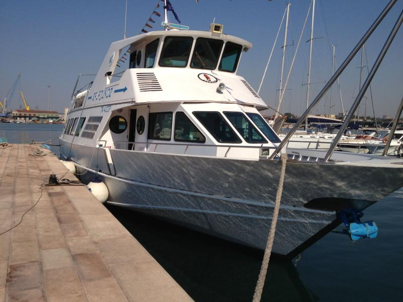 Motorboat for sightseeing minicruise in the Gulf of Taranto