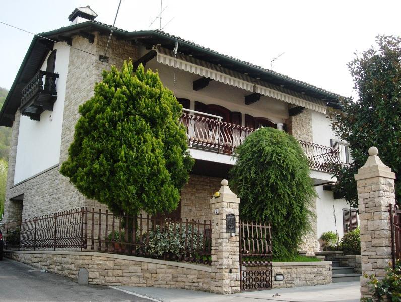Appartamento Lago d'Iseo Franciacorta, holiday rental in Zandobbio