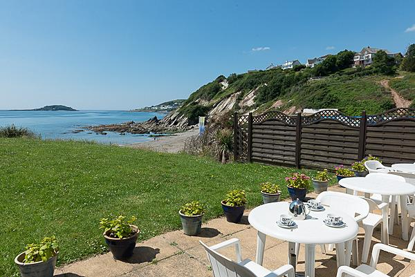 Wonderful views and situated a in an enviable location right next to the beach