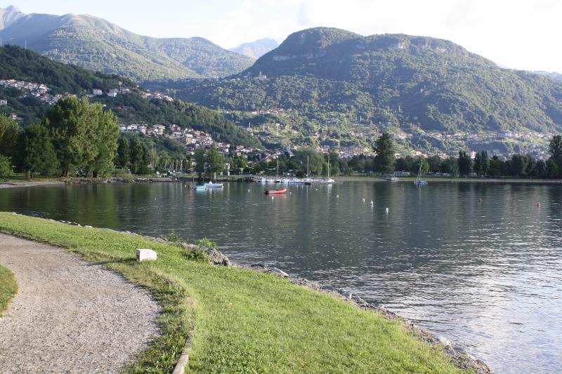 Lake walk/cycle way