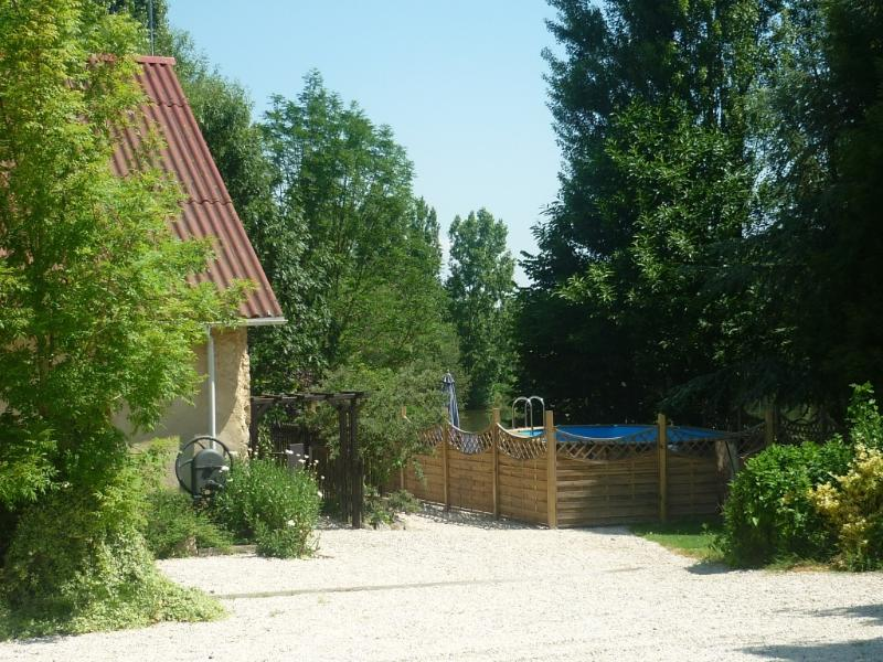 Family fishing Holiday - Etang Hirondelle, vacation rental in Mayenne
