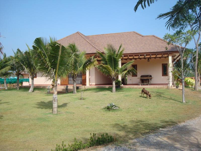 Spacious Villa with front patio and garden.