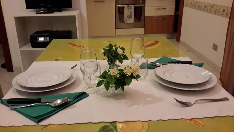 Rho FieraMilano: Cozy Apartment well situated, holiday rental in Novate Milanese