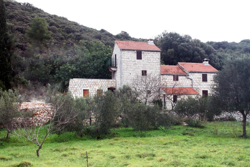 medieval castle - villa Kastel, location de vacances à Ville de Korcula