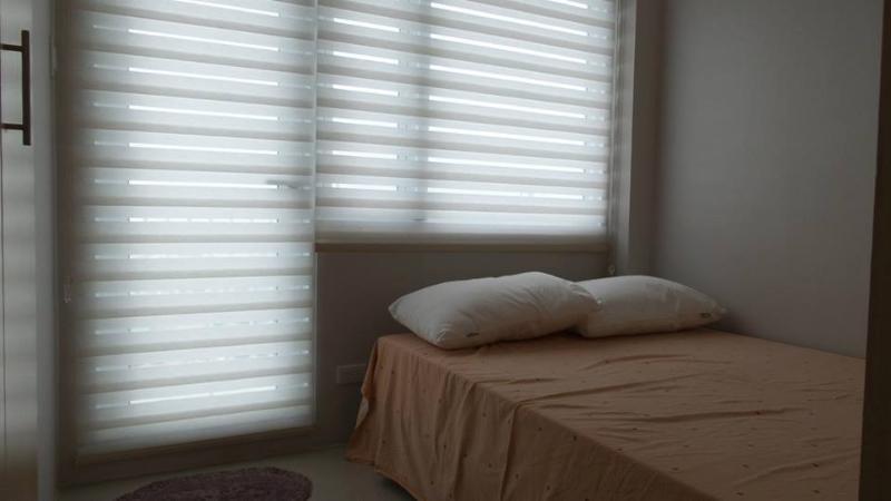 Ciechi di finestra, cuscini.