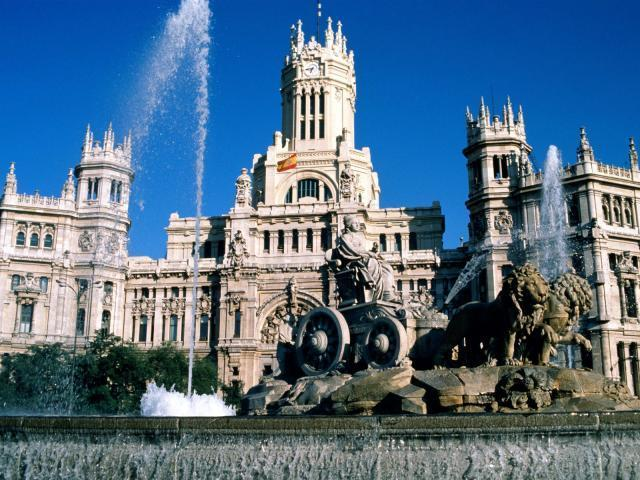 La Cibeles, Madrid (80 millas)