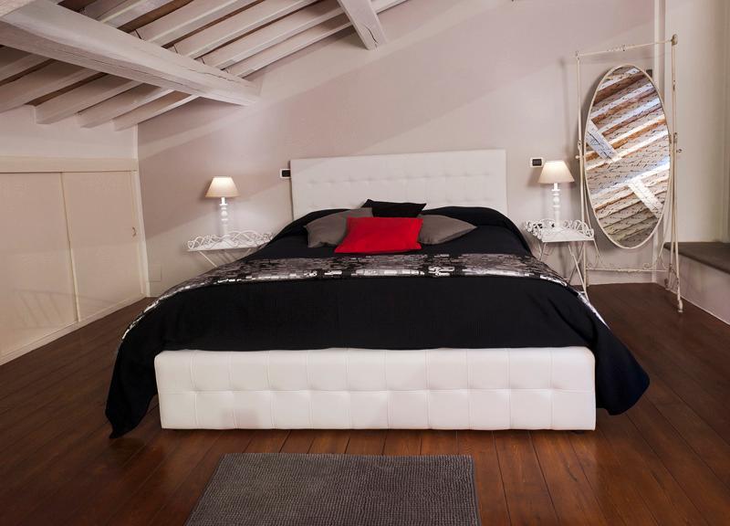 Antico Ostello di Bracciano - casa vacanze con  wifi and air conditioner, holiday rental in Bracciano