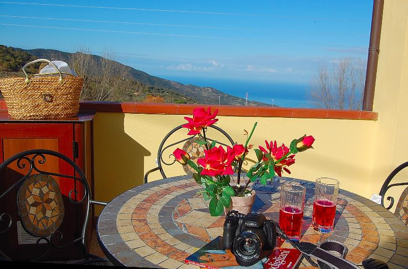 HOUSE IN AUTHENTIC SICILY, vacation rental in Finale