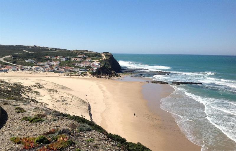 Monte Clerigo Beach, Aljezur - 6 mins drive