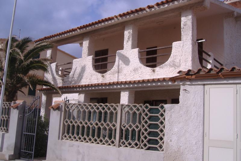 Villa a 50 metri dal mare, alquiler de vacaciones en Cerdeña