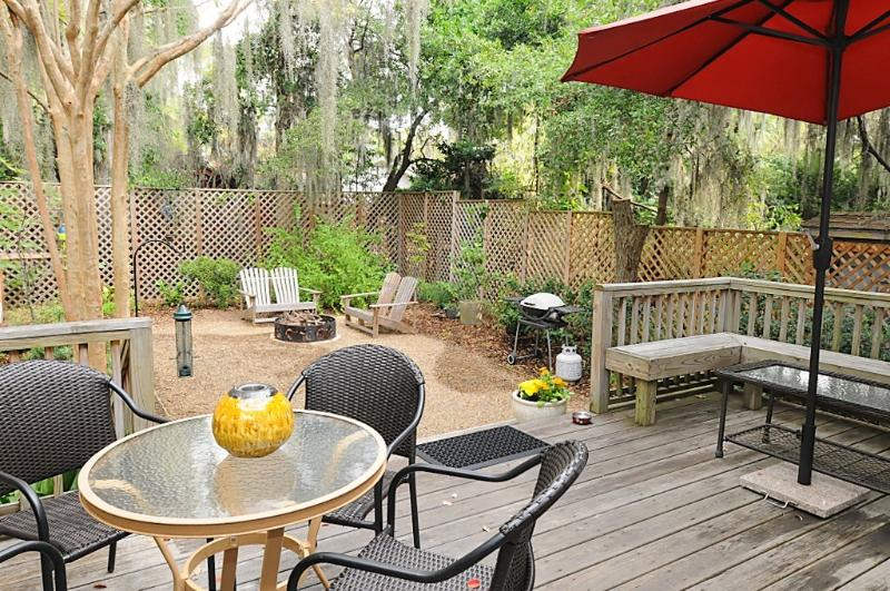 Cozy Coastal Home, Short Walk to Downtown Beaufort, vacation rental in Lady's Island