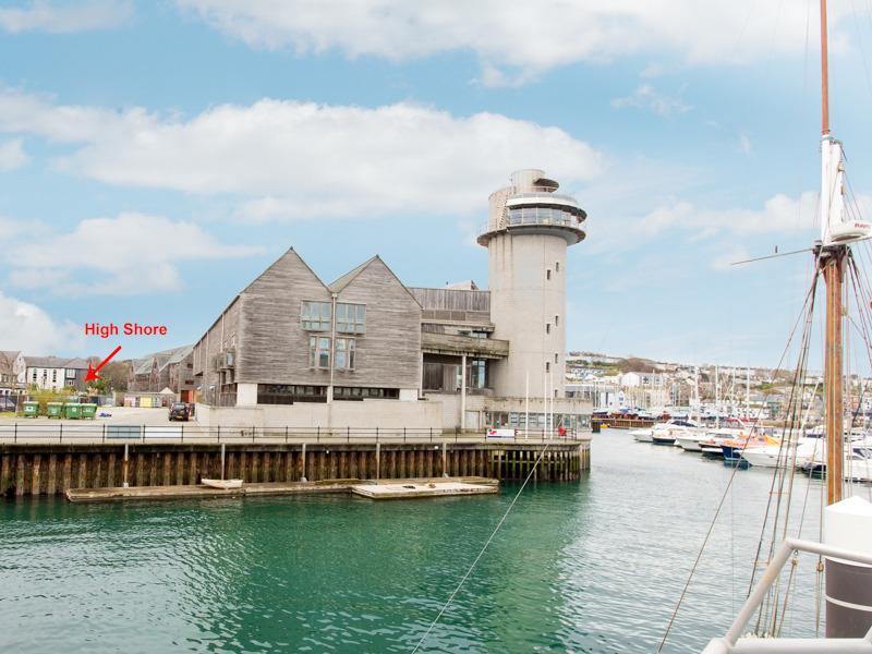 A luxury 2 bedroom apartment in the prestigious Port Pendennis Marina