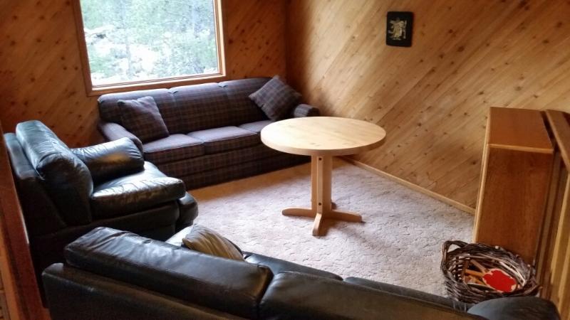Die Umgebung in Loft Ping Pong-Tisch zu lesen, ist nach links