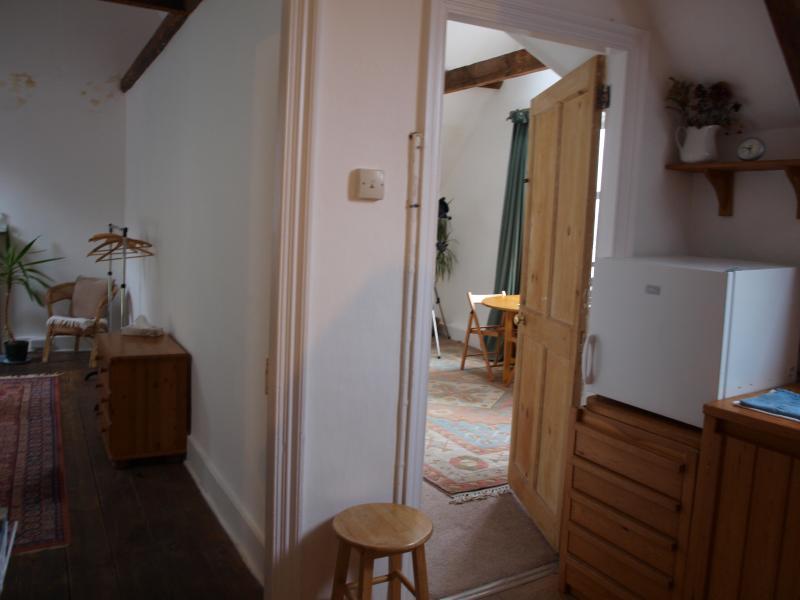 Chambre à coucher avant et arrière de cuisine