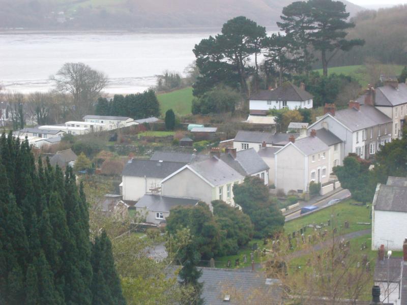 Vue sur Llansteffan à l'estuaire