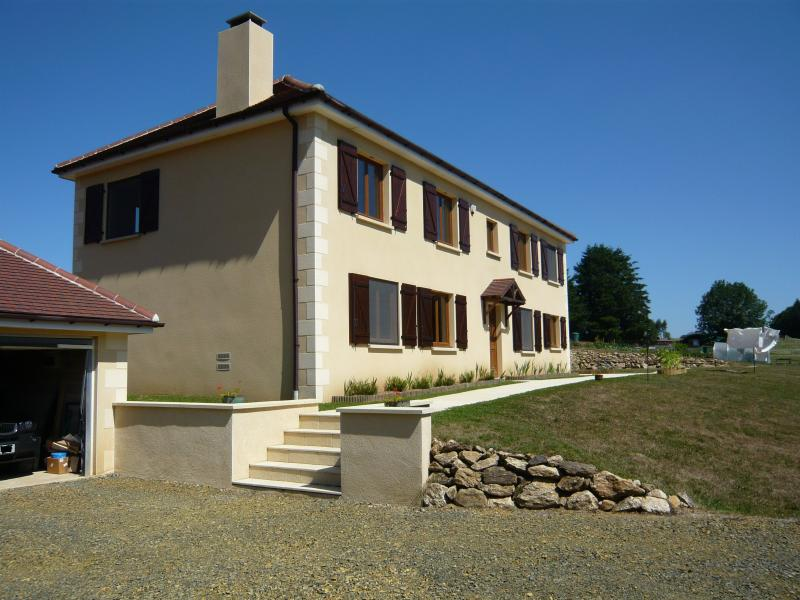 Lakeside Bed and Breakfast, vacation rental in Segur-le-Chateau