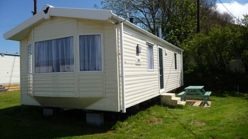 Caravan 10 mins from beaches/Surfing/coastpath, vacation rental in Newquay