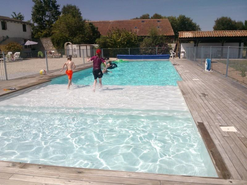 Logis de la Croix heated pool and splash pool