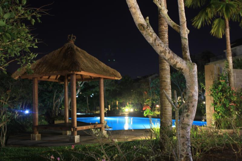 Luxury Living in Healthy Green Environment with Security, vacation rental in Manado