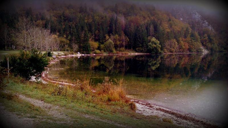 Beautiful lake Bohinj in autumn - 20 kilometers away