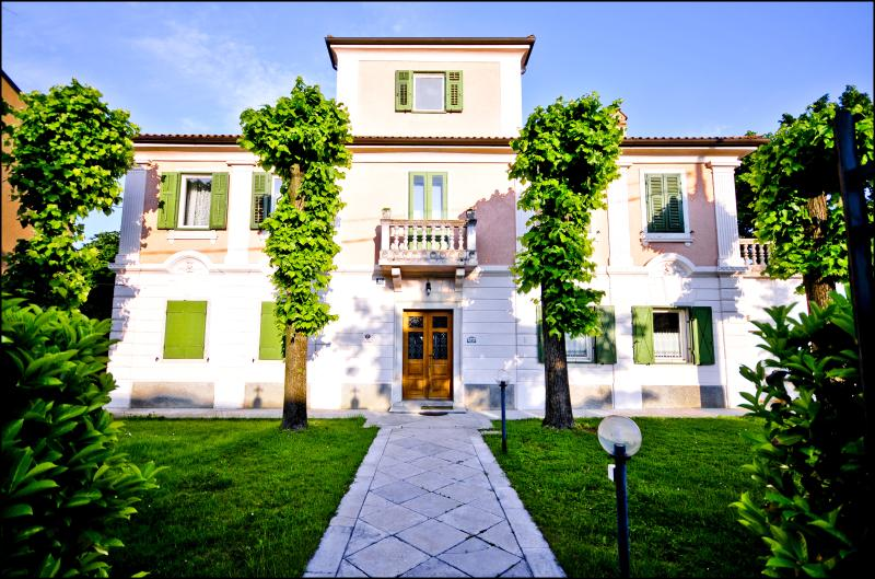 Villa Albori BED AND BREAKFAST, holiday rental in Trieste