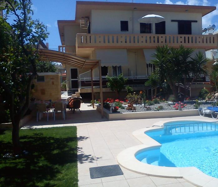 Nicolas Studio Apartment, vacation rental in Chania Town