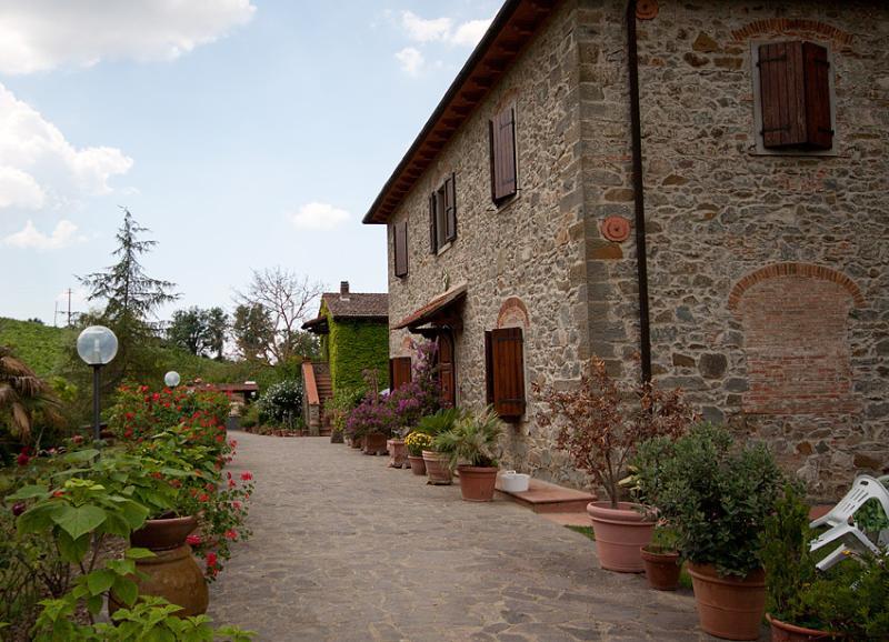 casale pr agriturismo Pian del Gallo 2, holiday rental in La Panca