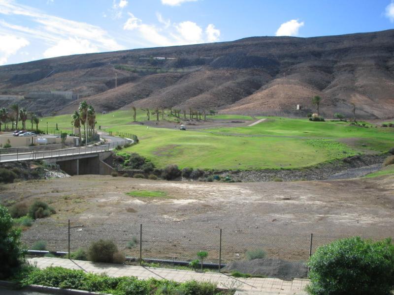 Vista do campo de golfe de 18 buracos