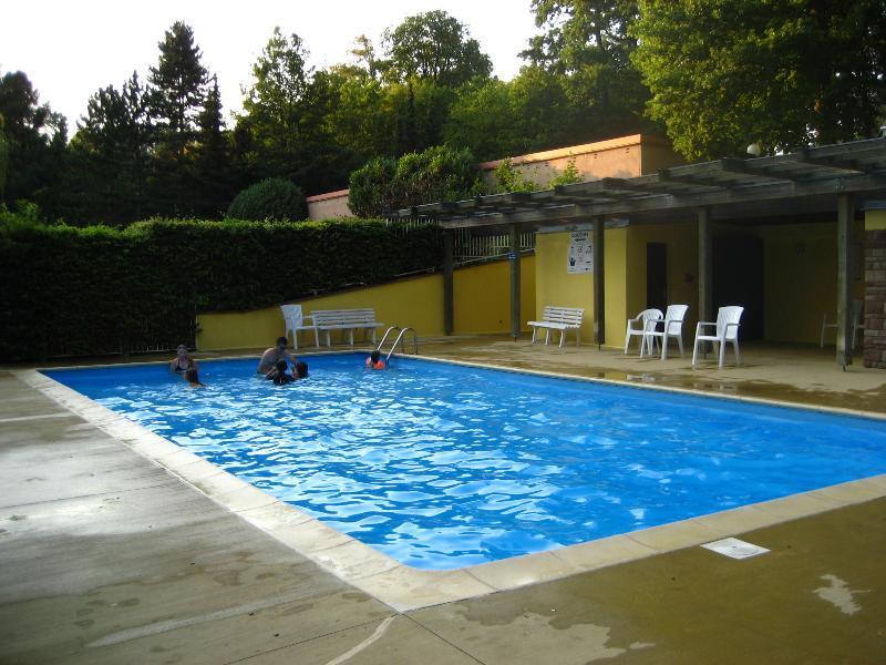 heated pool in season (01 June to 15 September)