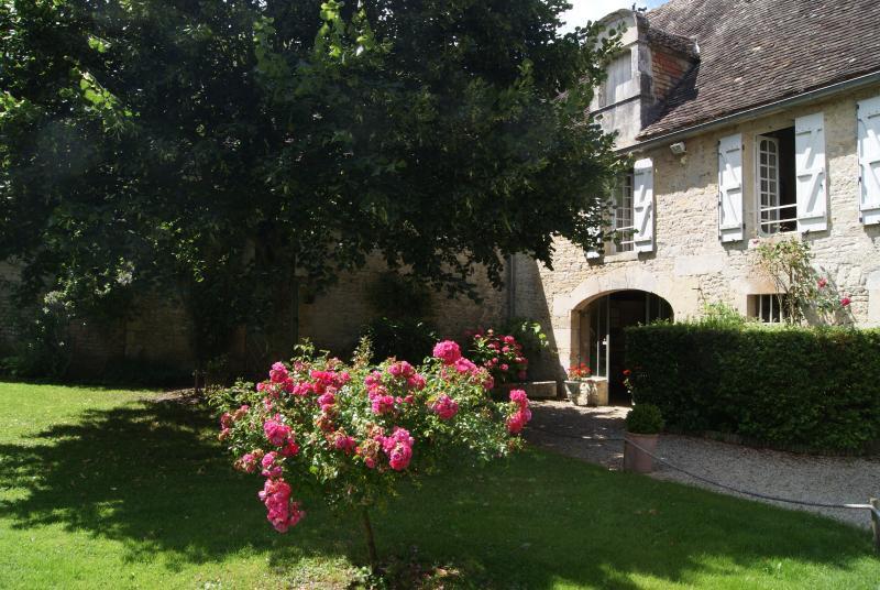 MANOIR DE LA PATAUDIERE LE RELAIS Falaise Normandy, holiday rental in Fresne-la-Mere
