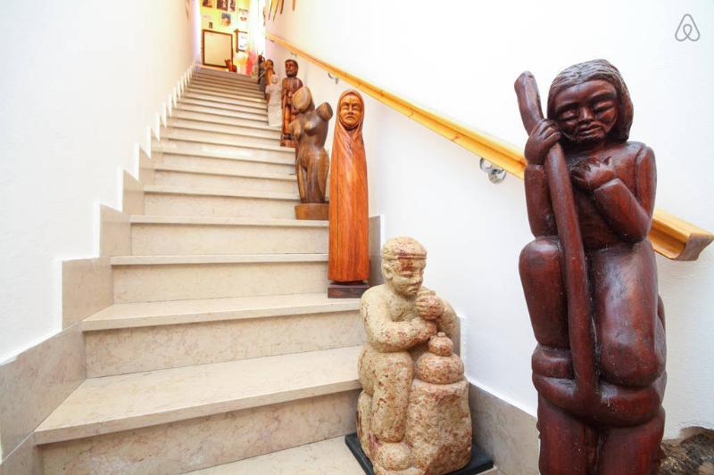 picture of stairs leading into the House of GIANNI's the ARTIST's sculptural works Gallery..