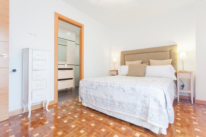 Piso renovado para vacaciones, location de vacances à San Fernando de Henares