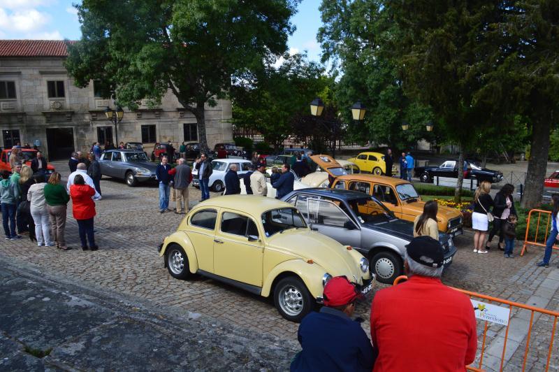 Rallye de voitures anciennes le 31 mai a Penedono