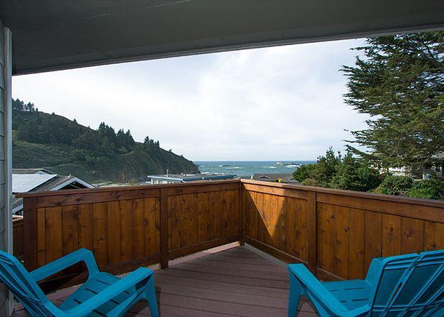Master balcony with spectacular views of Trinidad Head & Beach.
