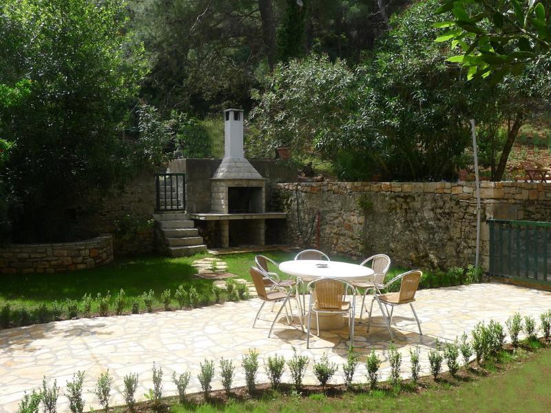 Private garden and BBQ terrace of Villa del Mar