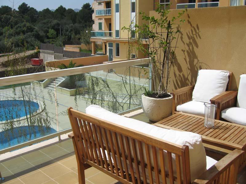 Mediterrani. Magnifico apartamento,piscina, terraza 24m2, garaje, a 400m playa, casa vacanza a Cala Ratjada