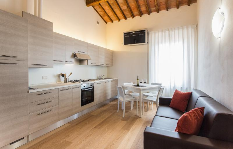 San Lorenzo Apartments, vacation rental in Colle di Val d'Elsa