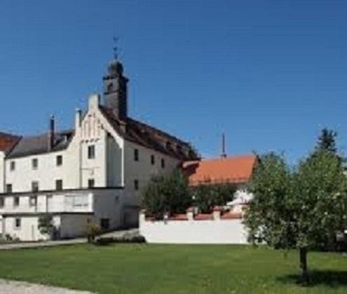 Weichser kasteel met kasteel tuinen