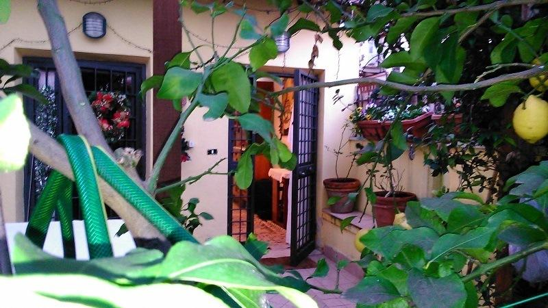 Casa Lola, with garden of flowers and lemon trees in central and picturesque area