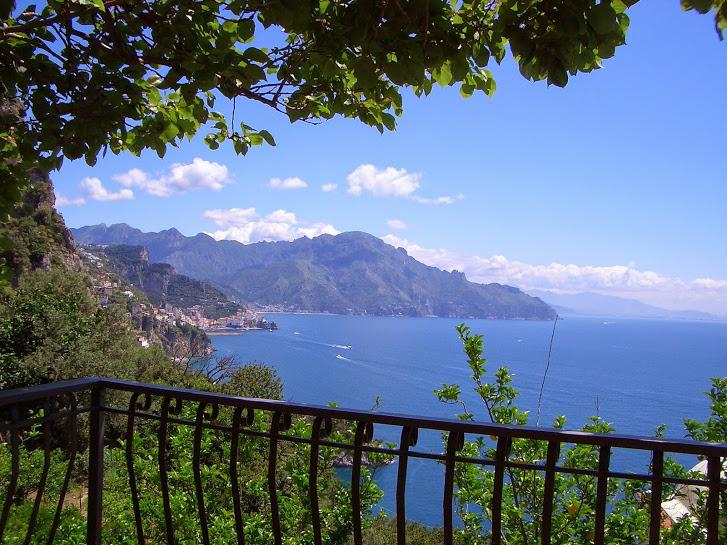 Amalfi 51 with terrace overlooking the sea, holiday rental in Conca dei Marini