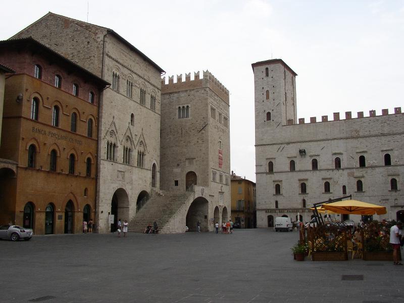 Piazza in Todi