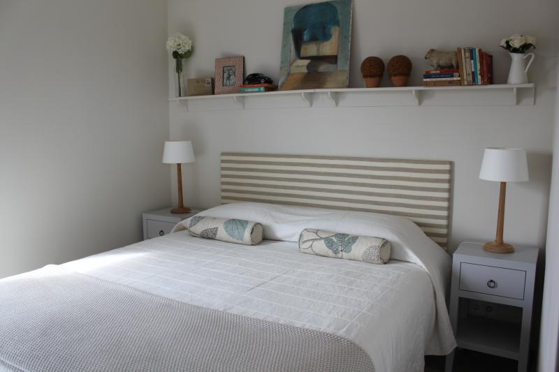 Lovely Wood Cottage near the beach, holiday rental in Pechao