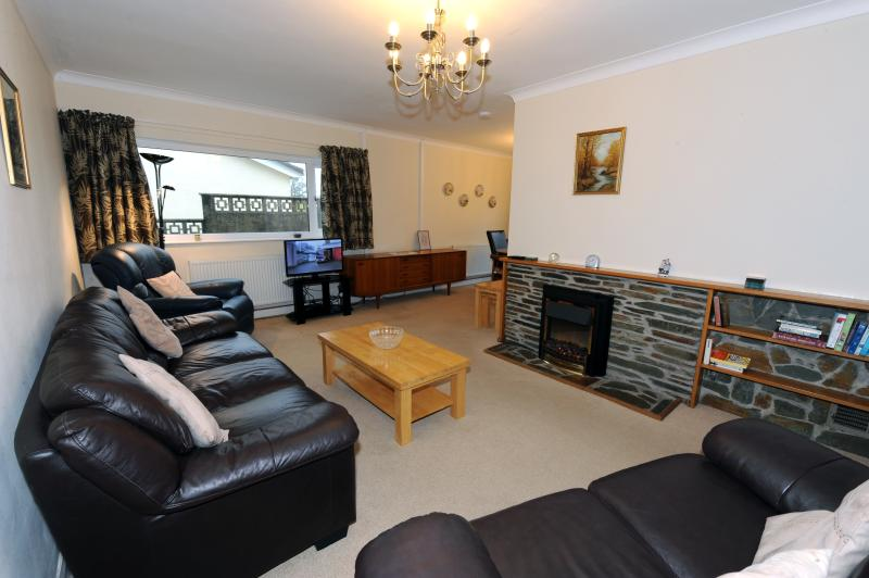 Spacious and comfortable lounge with FreeView TV
